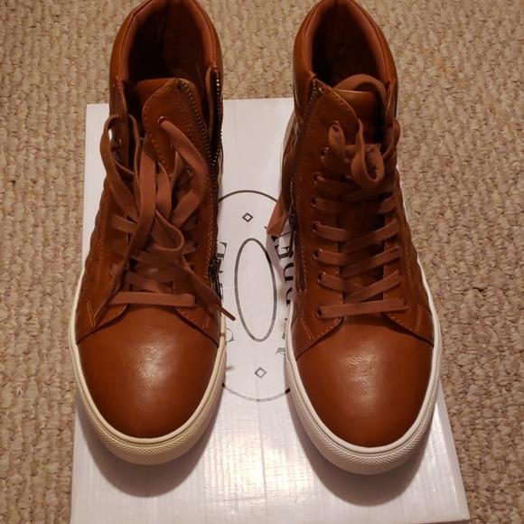 Steve Madden Mens Hi Top Quilt Sneaker